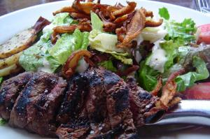 a-steak-salad