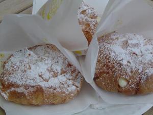 a-cream-puff