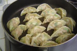 gyoza-in-pan